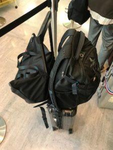スーツケースに装着するカバン