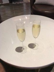 白ワインとスパークリングワイン間違えた