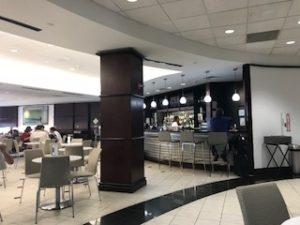 ヒューストン空港のラウンジ内