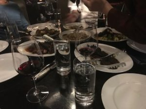 ステーキ屋でディナー