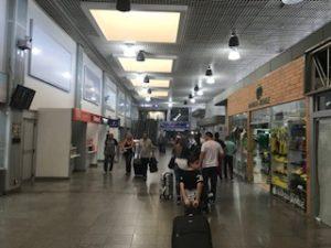 フォス・ド・イグアス空港のロビー内