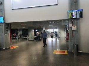 ブラジル側のイグアス空港出口