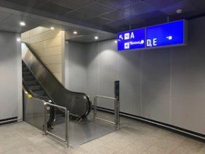 ターミナル2への連絡通路