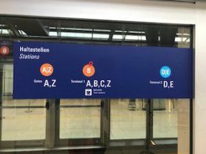 フランクフルト空港の案内看板