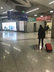 パリの空港出口