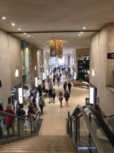 ルーブル美術館のショッピングモール