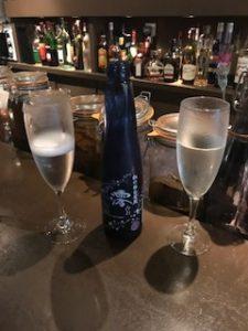 パリなのに日本酒で乾杯!