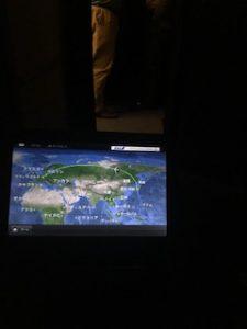 機内のフライトマップ