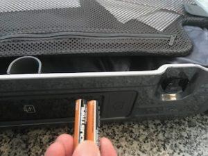スーツケースの電池