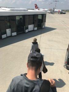 プラハ空港に降りた
