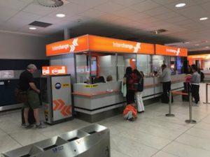 プラハ空港内の両替所