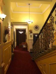 ホテルの通路1
