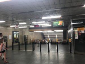プラハの地下鉄乗り場