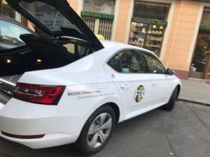 プラハの送迎のタクシー