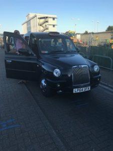 おしゃれなイギリスのタクシー