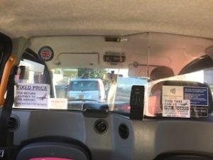 ロンドンのタクシー車内