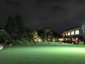 夜の明治記念館