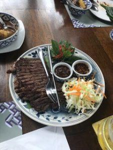 タイ風のリブアイステーキ
