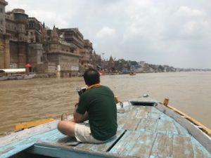 ガンジス川を航行中