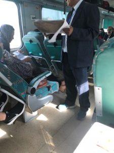 インドの鉄道内の座席チェック