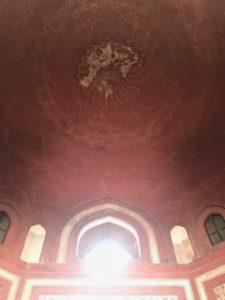 タージマハルの手前の門の天井