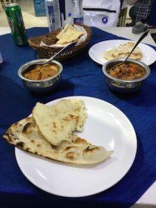 アグラでのインド料理レストランでランチ