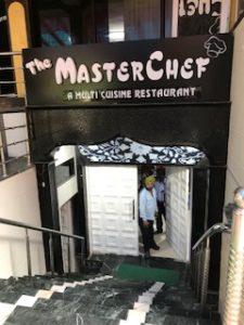 ランチで行ったインド料理レストラン入口