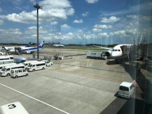 快晴でかなり暑い成田空港