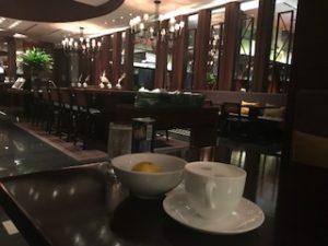 クラブラウンジでコーヒー