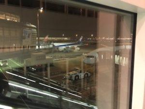 羽田空港でのB777-300